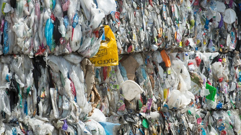 single-use plastic canada