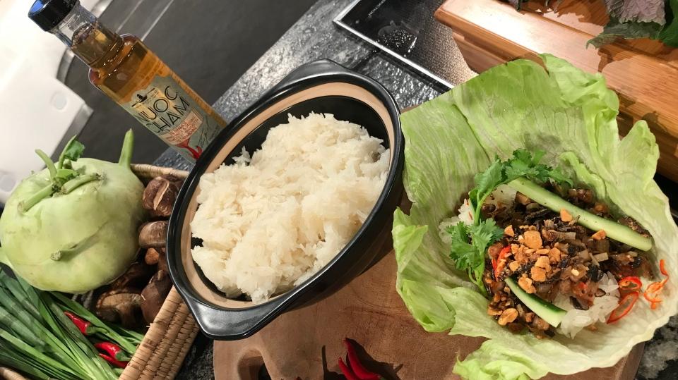 Hopping Wok Sticky Rice