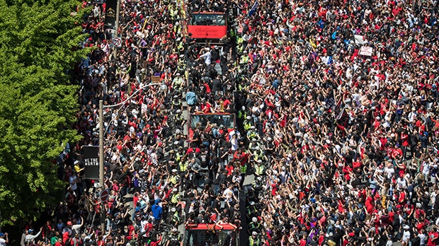 Thousands of excited fans line Raptors parade route