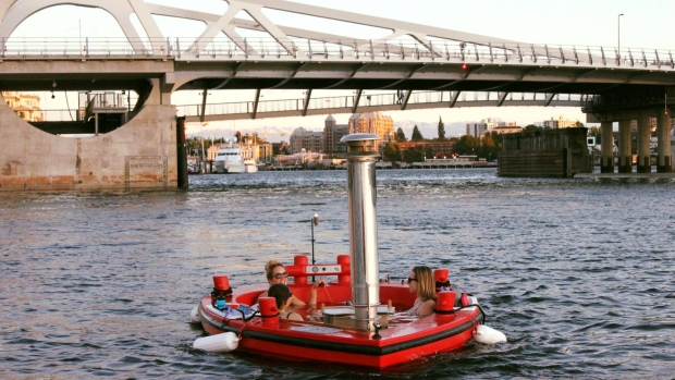 Hot Tub Boat Canada says it also plans to launch in Vancouver and Kelowna in 2019. (Hot Tub Boat Canada/Facebook)