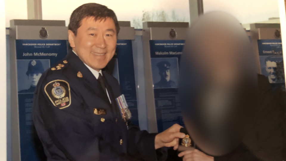 The former officer, seen receiving her badge from retired chief Jim Chu, says she eventually resigned while waiting for the investigation into her complaints to be completed. None of her harassment allegations involved the former chief.