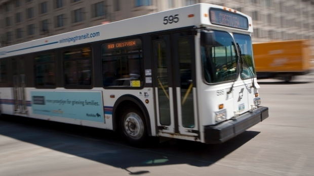 Report says free Winnipeg Transit rides for kids would cost $2 4M