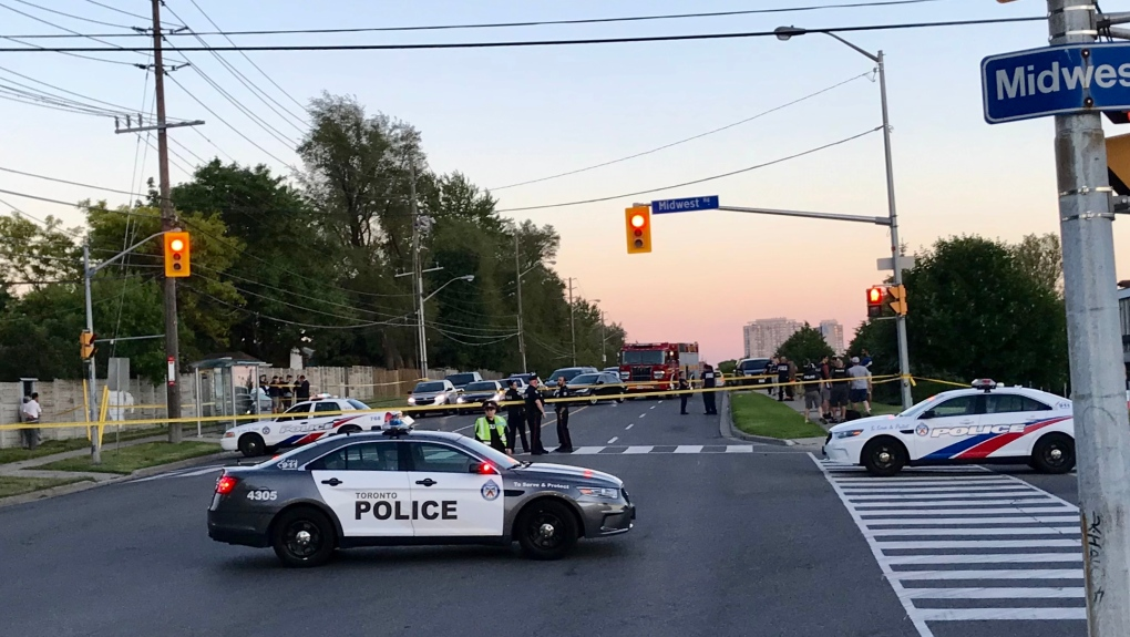 Man dead, officer injured following shooting in Scarborough