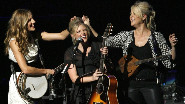 The Dixie Chicks perform in 2007