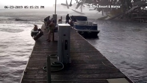 Boaters in Kentucky narrowly escape injury