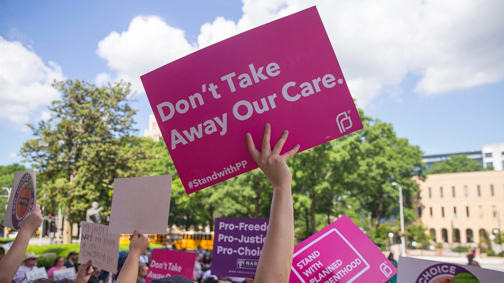 protestors abortion pro-choice