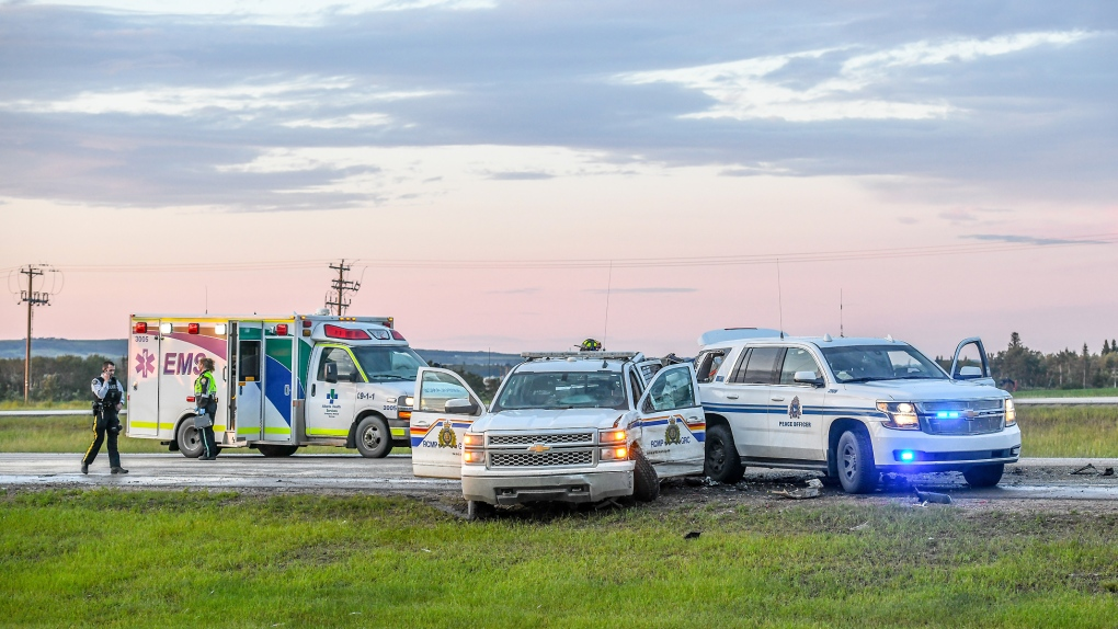 Grande Prairie crash injures officers