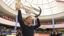 Parayko lifts the Stanley Cup at WEM