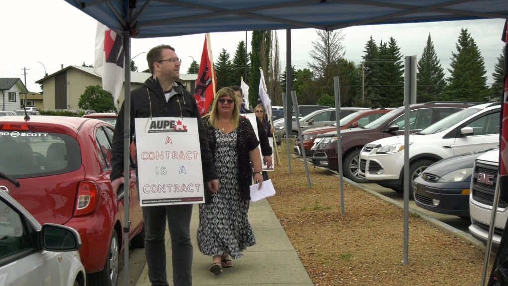 AUPE Bill 9 protest