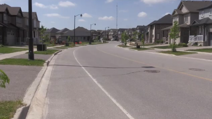 Neighbourhood to lose on-street parking for new bike lanes
