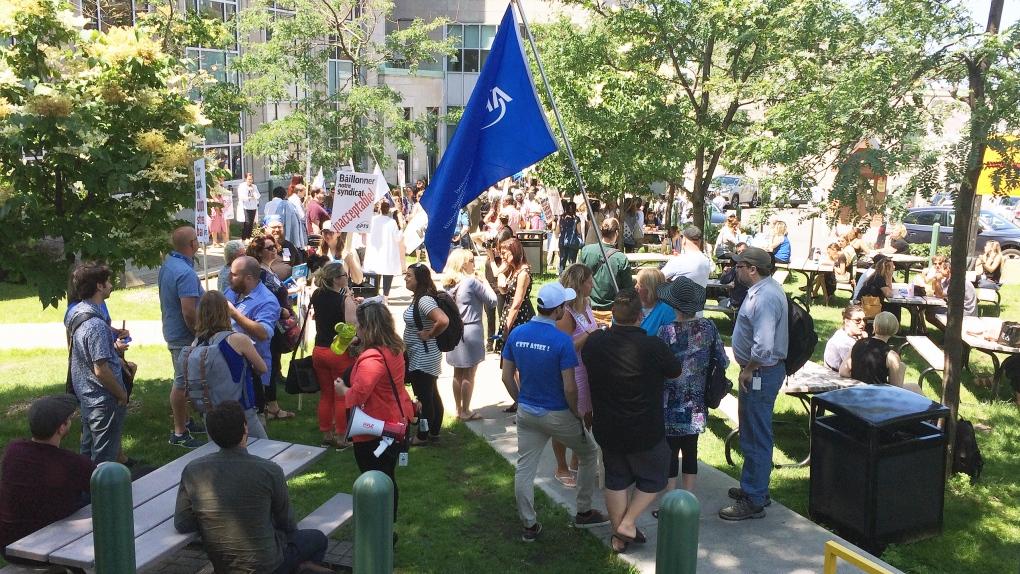 Jewish General Hospital employees protest 'illegitimate' suspension of union president