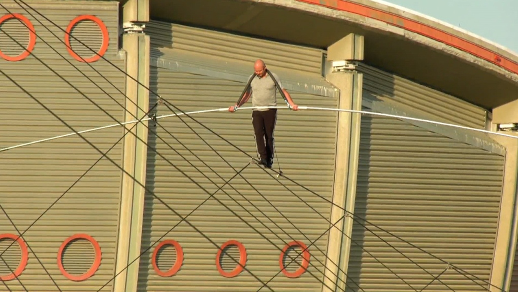 High-wire artist attempts world record walk over Stampede Park