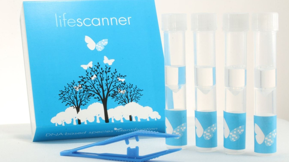 The LifeScanner Species Identification Kit includes vials with a DNA preservative,  collection tweezers and information on submitting test samples. (LifeScanner/@LifeScanApp/Twitter)