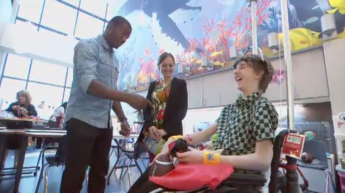 Retired Montreal Impact captain Patrice Bernier visits kids at the Shriners Hospital in Montreal.