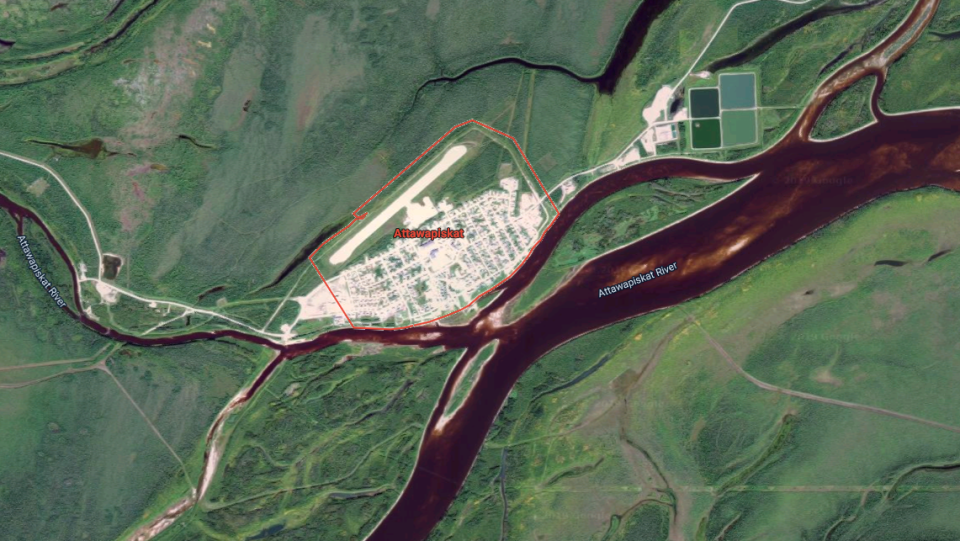Attawapiskat and the surrounding area is shown in this satellite image (Google Maps)