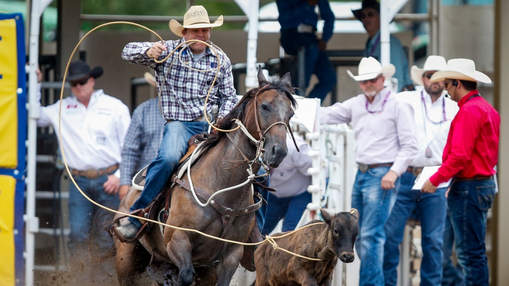 Caleb Smidt beats three former champs to win Calgary Stampede rodeo