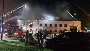 Fire on Notre-Dame St. E (image: Paul Romano / CTV Montreal)