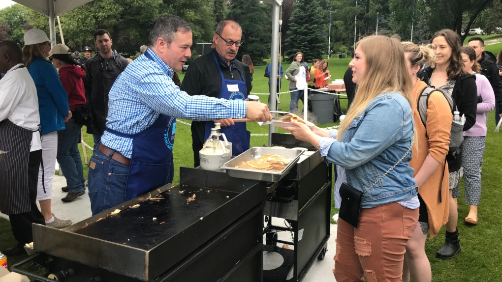 Premier serves up free pancake breakfast in honour of K-Days