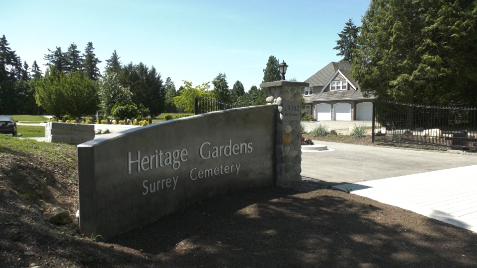 Heritage Gardens in South Surrey offers many types of green burials.