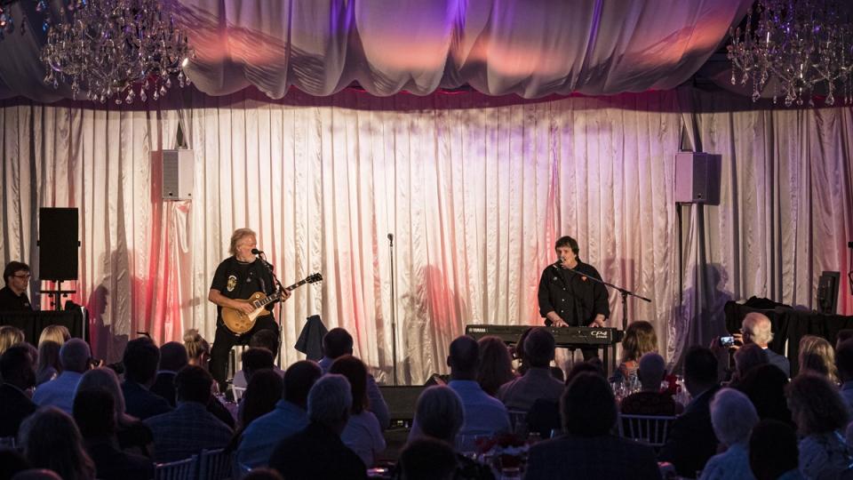 Randy Bachman, left, and Burton Cummings perform
