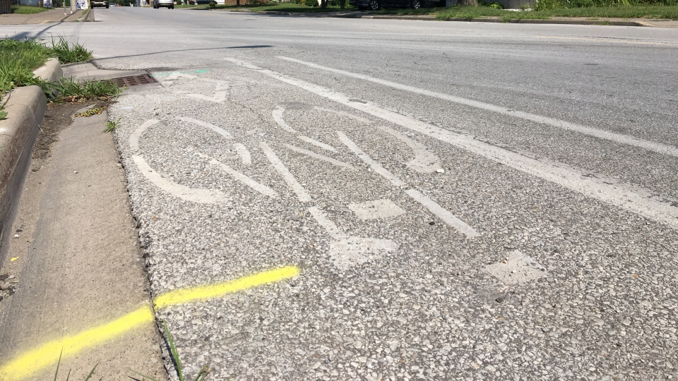 A bike lane in Windsor, Ont., on Tuesday, July 23, 2019. (Ricardo Veneza / CTV Windsor)