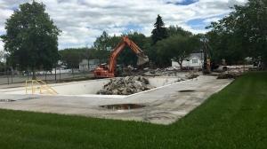 Demolition has begun on Maple Leaf Pool (Gareth Dillistone / CTV Regina)