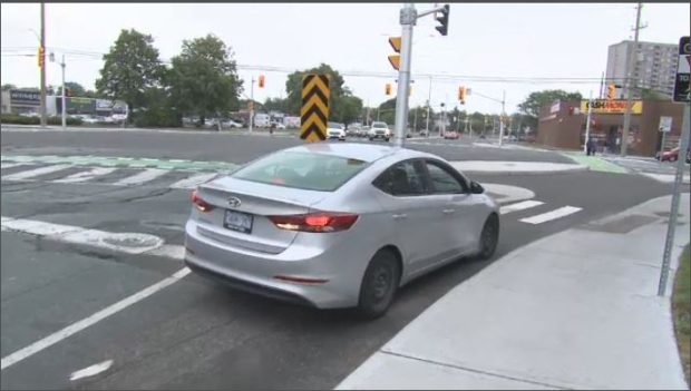 Drivers Using Segregated Bike Lane To Turn Onto St Laurent Ctv