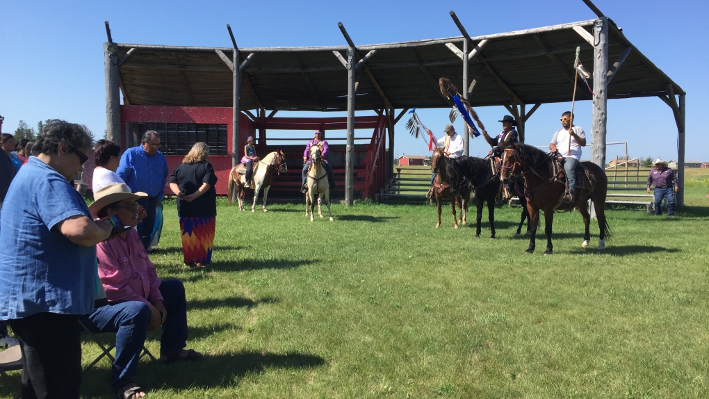 Indigenous riders travel by horse to 'bring home the children'
