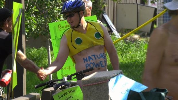 Naked bike ride through Edmonton raises eyebrows, draws protests