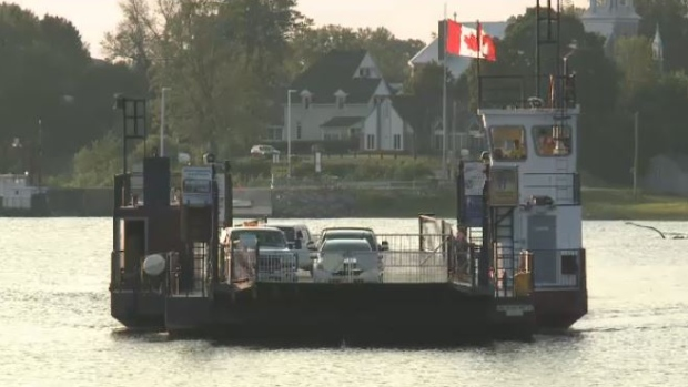 Pontoon boat collided with Quyon Ferry