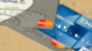 Canadians are using their credit cards to chase rewards.