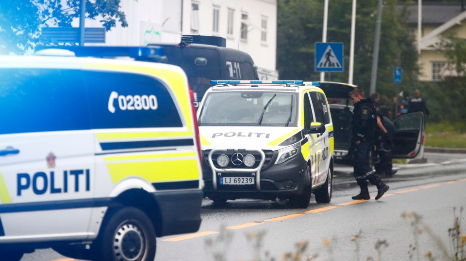 Police attend the scene after a shooting inside the al-Noor Islamic center mosque in Baerum outside Oslo, Norway, Saturday Aug. 10, 2019. (Terje Pedersen / NTB scanpix via AP)