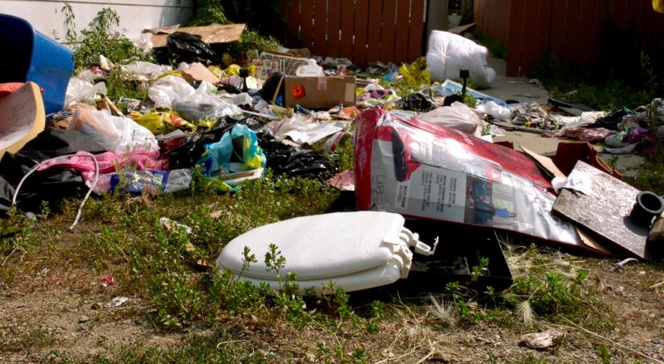 garbage in yard saskatoon