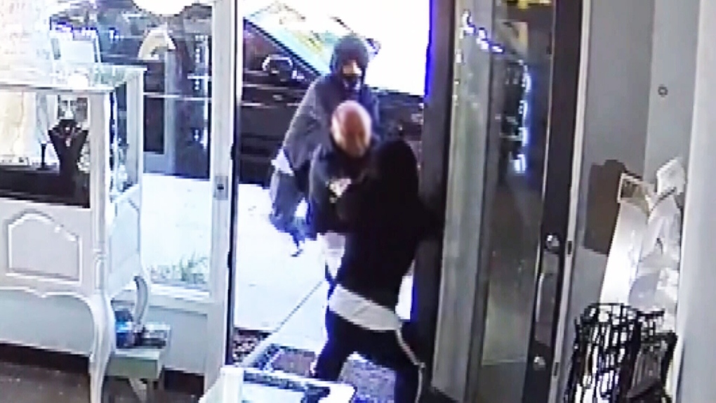 Watch: Jewelry shop owner fights off would-be thieves armed with sledgehammers