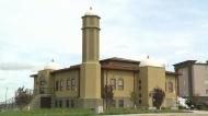 Mosque opens doors to educate people