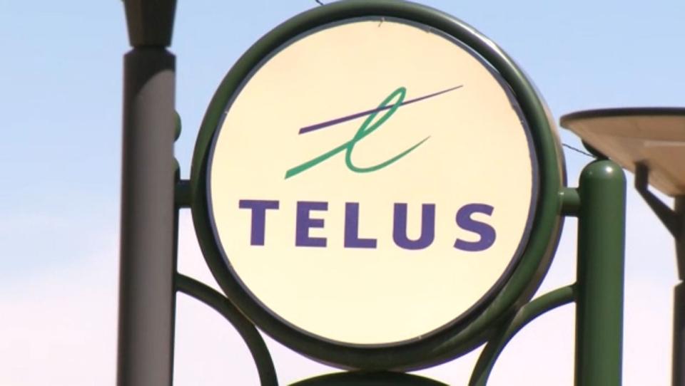 Telus apologizing to customers