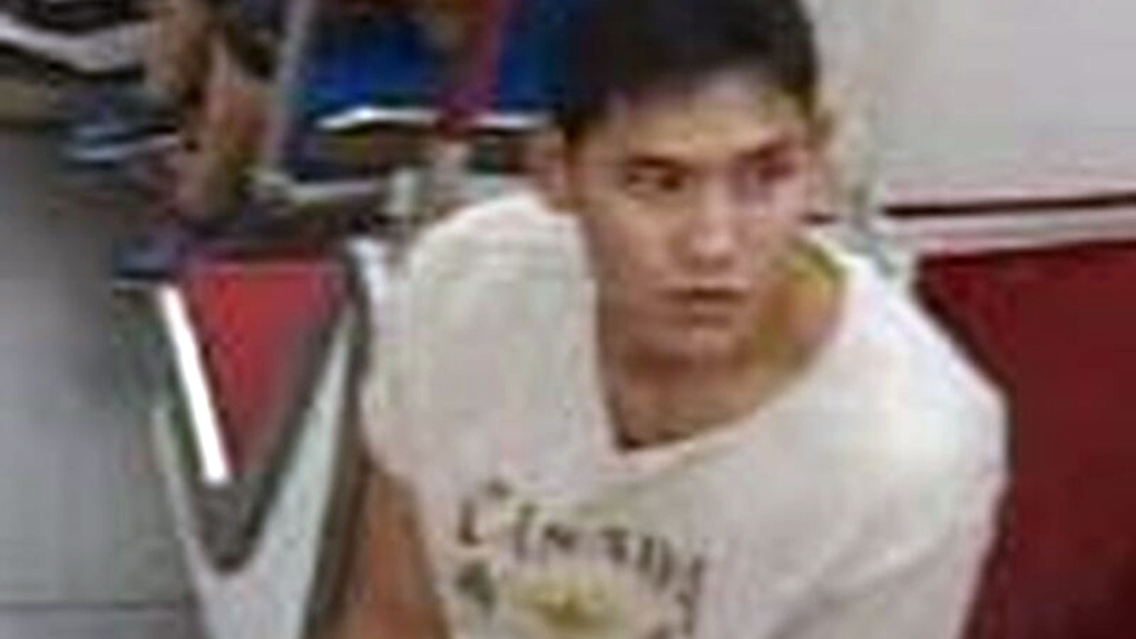 Man accused of brandishing large kitchen knife on subway train at Bloor-Yonge Station sought by police