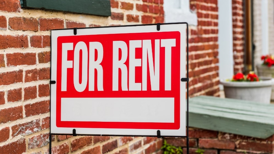 For rent sign (Shutterstock)
