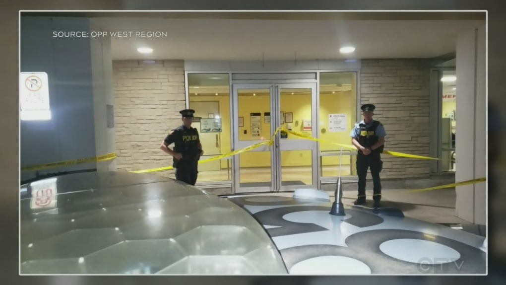 Man seriously injured after being stabbed outside emergency room: police