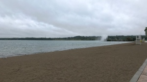 Centennial Beach is completely empty on a chilly afternoon in Barrie on Tues., Aug. 27, 2019 (CTV News/Krista Sharpe)