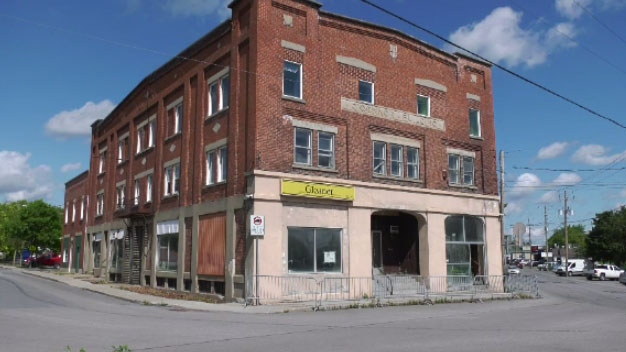 Chateauguay Valley community newspaper The Gleaner was forced to move from its headquarters in 2014. The paper has fallen on hard times, being staffed entirely by volunteers who work out of a nearby coffee shop.