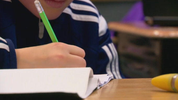Province offers one-time $1,500 payment to teachers in three-year contract