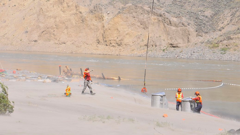Province says salmon can now be transported over Fraser River slide by truck
