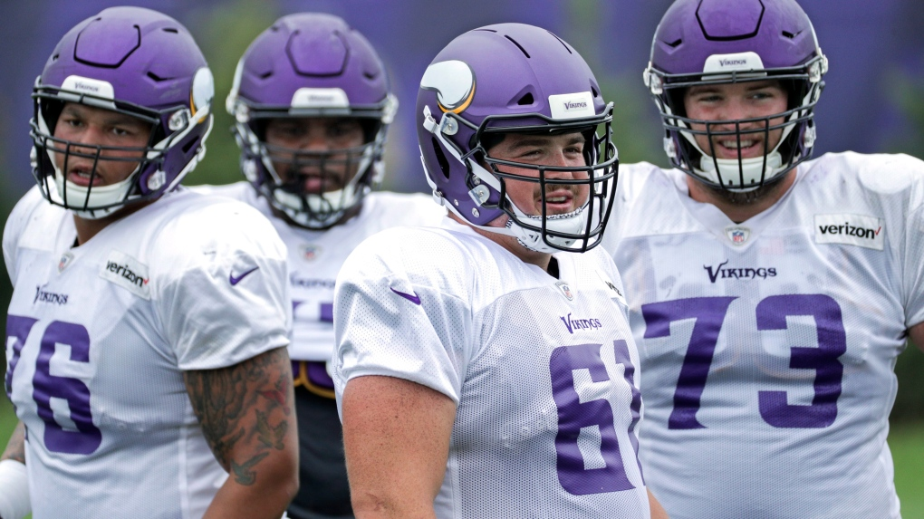Weyburn product Brett Jones re-signs with Minnesota Vikings