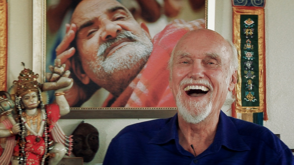 Ram Dass can be seen in this scene from 'Becoming Nobody.' (Love Serve Remember Foundation)
