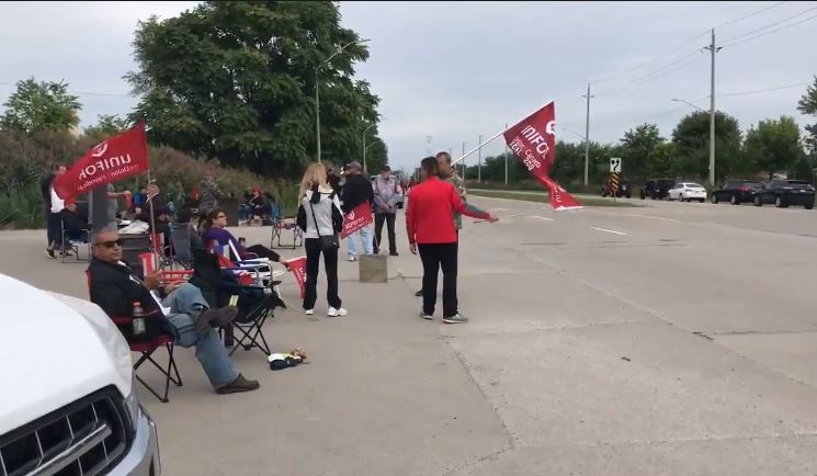 Workers at the blockade in front of the Nemak plant in Windsor, Ont., on Monday, Sept. 9, 2019. (Michelle Maluske / CTV Windsor)