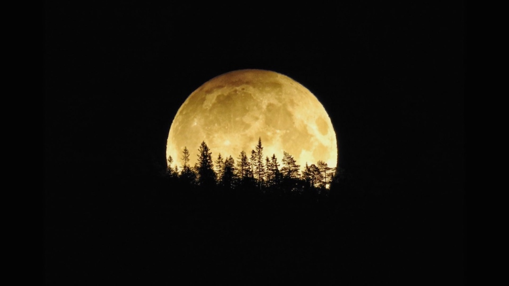 When can you see the Harvest Moon on Friday the 13th in Toronto?