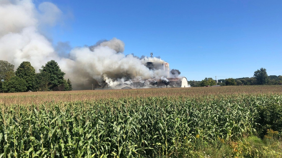 Farm in Waterville ravaged by flames (photo: Francois Gagnon)