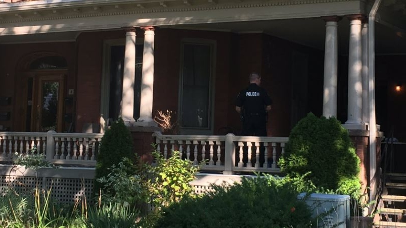 Murder investigation at 414 Dufferin Ave. in London Ont. on Sept. 14, 2019. (Brent Lale/CTV)