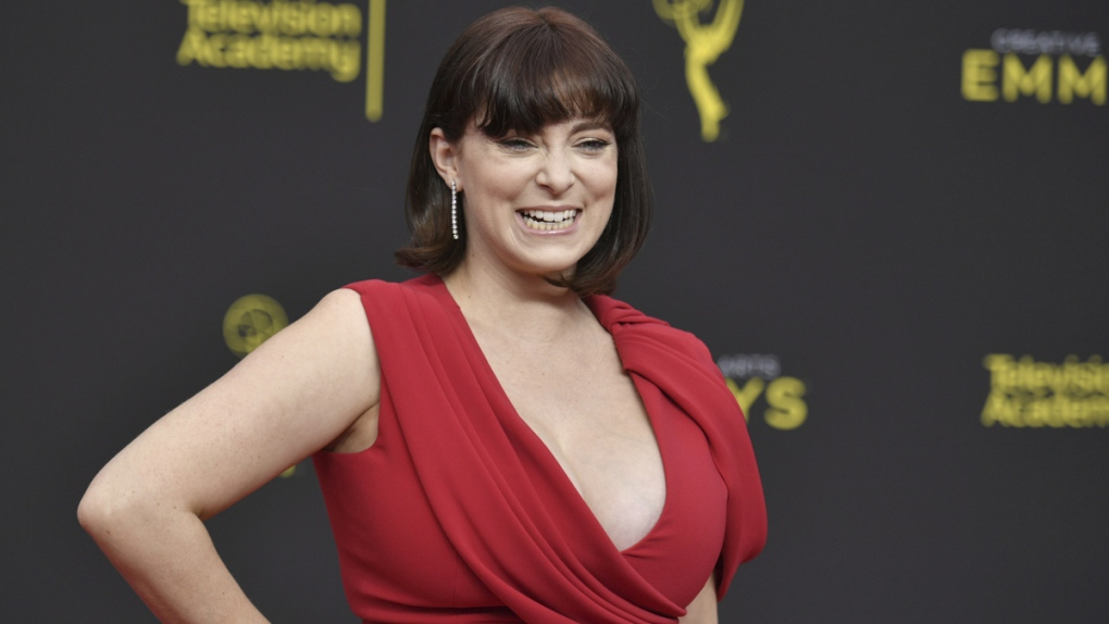 'Crazy Ex' star Rachel Bloom wins Emmy, announces pregnancy